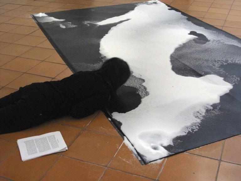 Cartografías de Sal. Elvira Santamaría. Performance-Instalación 24 horas. MACO, Oaxaca 2015. Fotografías Brian Patterson