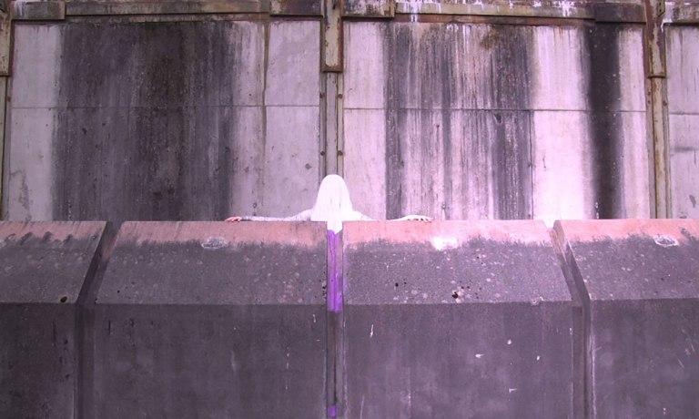 Eile-still-concrete